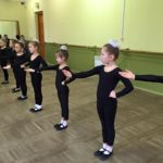 Ансамбль ЗЕРНЯТКО , група навчання другий рік, хореографія (4)