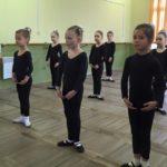 Ансамбль ЗЕРНЯТКО , група навчання другий рік, хореографія (9)